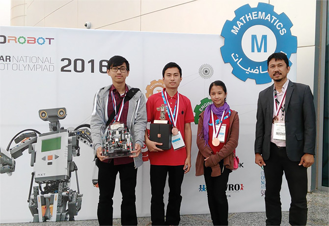 3 Seton Students Win 3rd Place in Qatar National Robot Olympiad