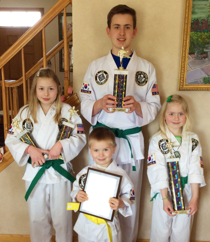 Seton Siblings Place 1st in Tae Kwon Do Family Forms